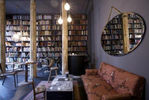 Carta da parati con libri a casa di ro for Carta da parati libri