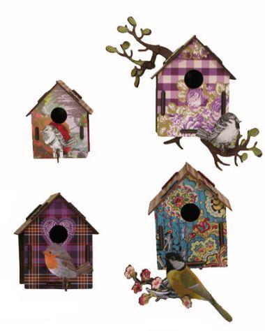 casette, uccellini, alci e cervi coloratissimi in legno trattato..