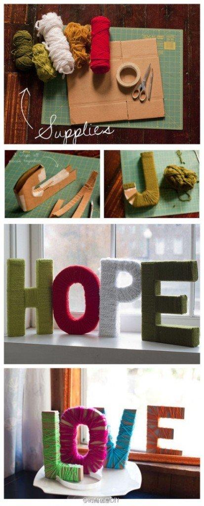 Questa foto vi mostra come costruire parole o frasi con lana  e cartone.