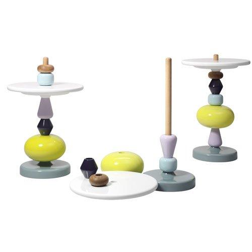 Shuffle table by Mia Hamborg, potrete comporlo ogni volta in maniera diversa, modificandone forma, colori e altezza. Su www.voltexdesign.com