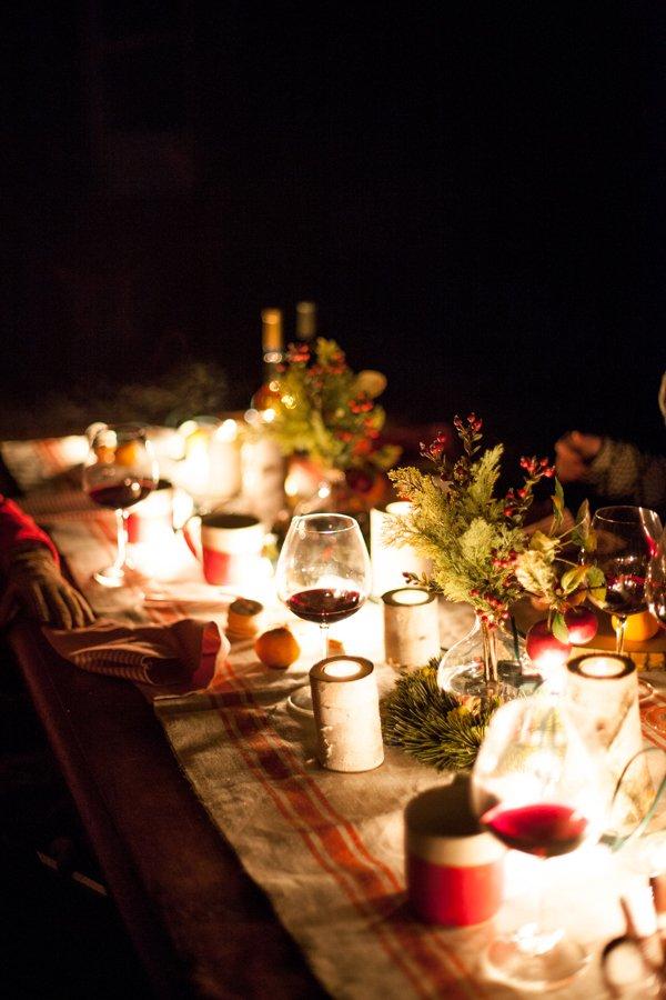una tavola grezza, un ranner in iuta..ma tanto tanto natalizia..