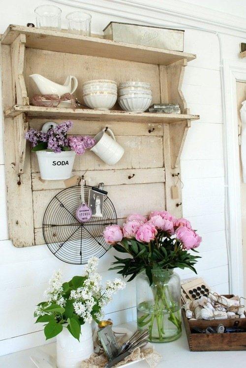 ..ceramiche, colori pastello e tanti romantici fiori.