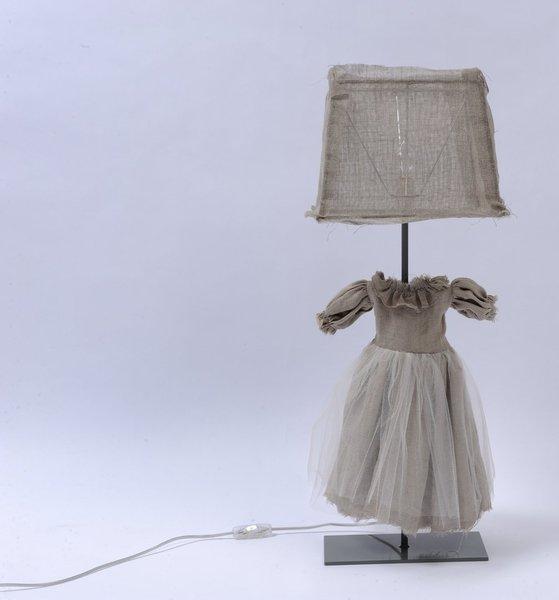 """Una dolcissima lampada perfetta sul comodino di una bimba. Da """"Borgo delle Tovaglie"""""""