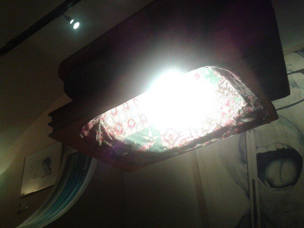 lampada libri