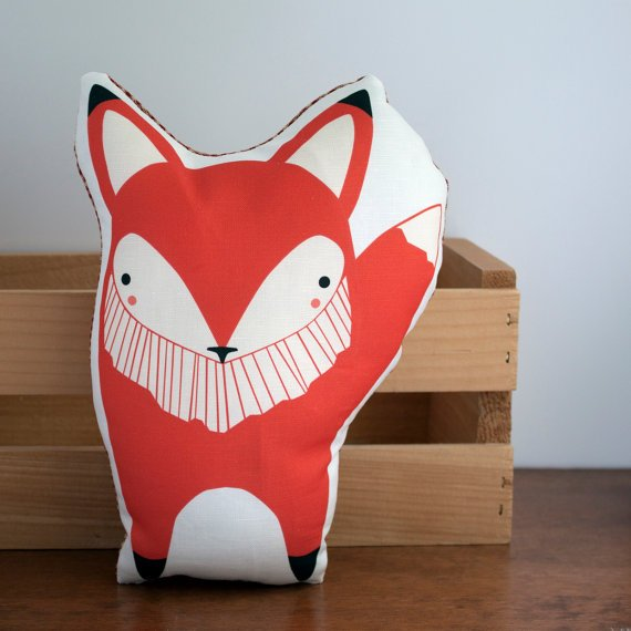 La volpe è uno degli animali del momento in fatto di interni, questo cuscino e tanti altri animaletti sono rigorosamente handmade, li trovate su Etsy