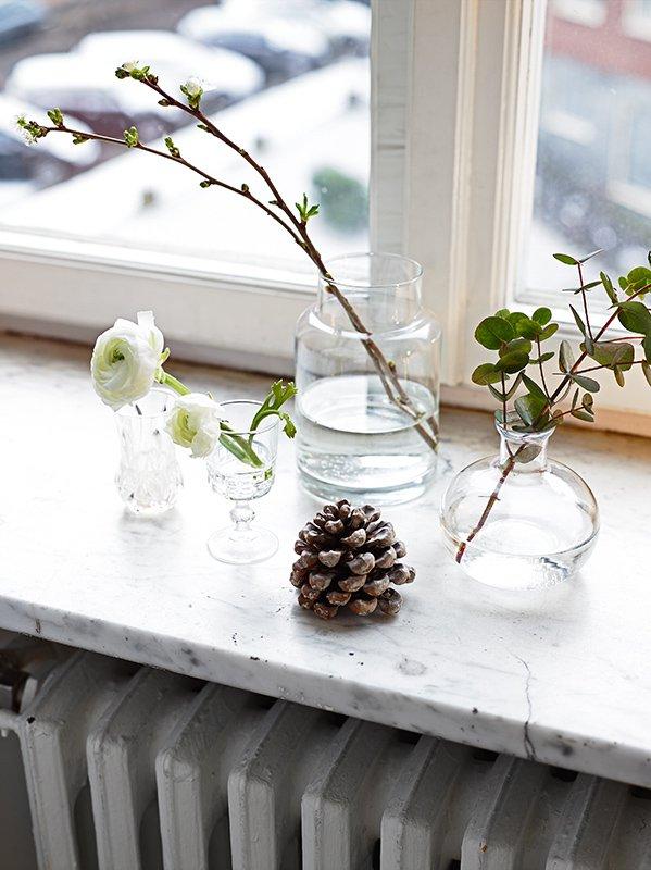 vasetti di vetro diversi