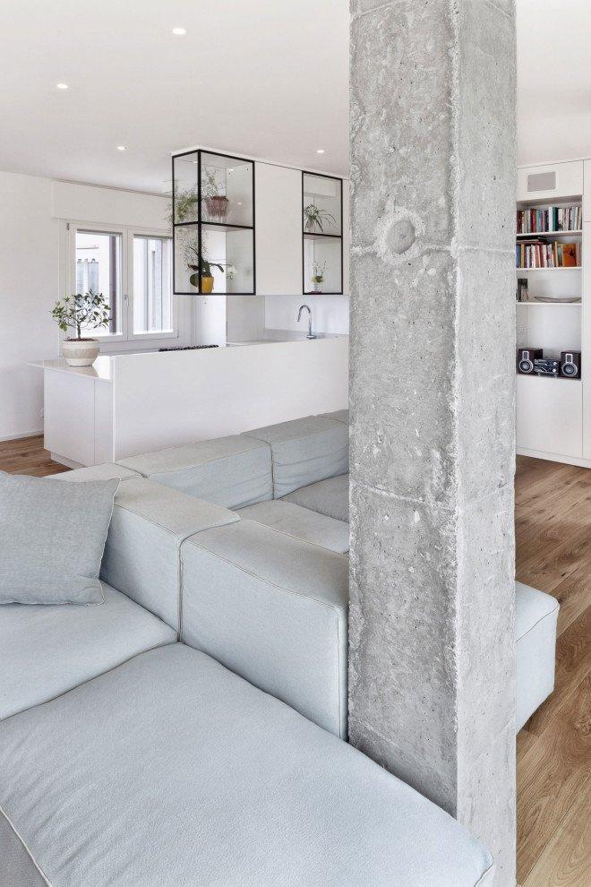 pilastro cemento lasciato a vista