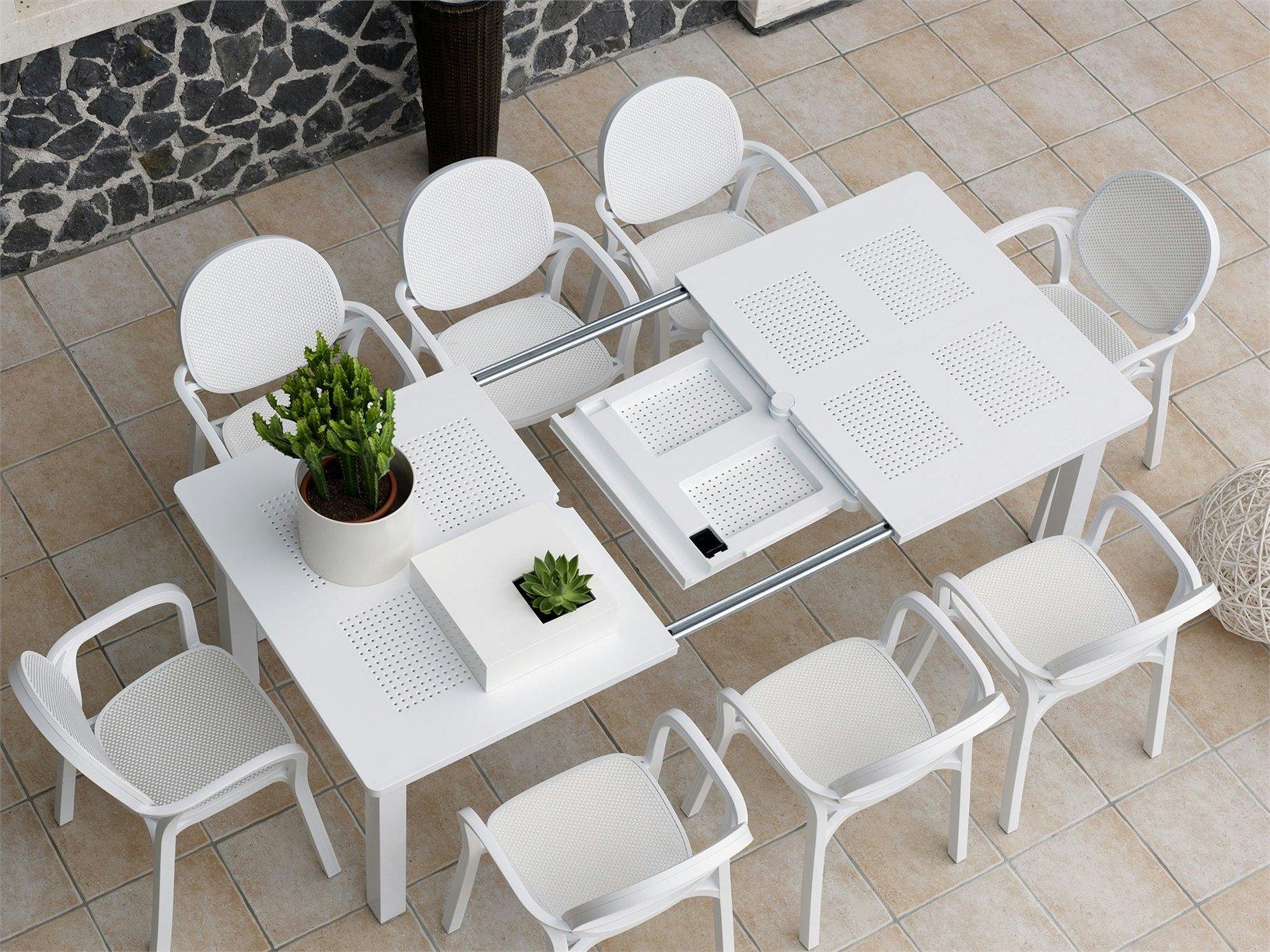 tavolo e sedie arredi outdoor