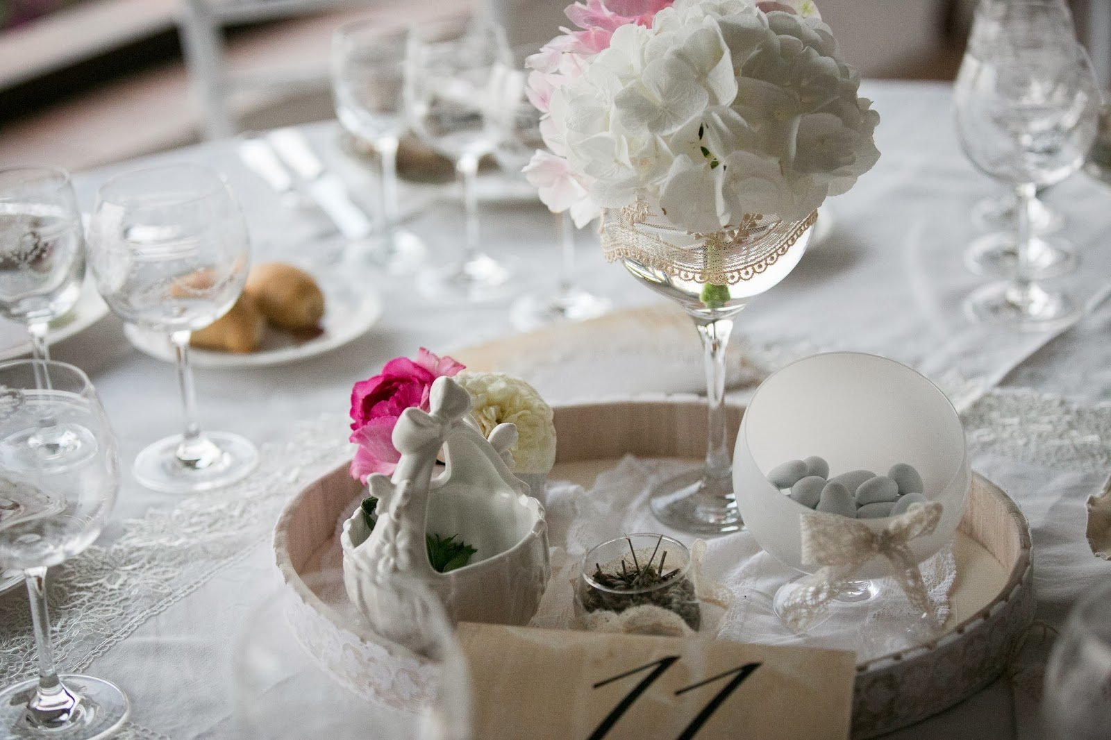 Matrimonio tra il vintage e il country chic - image Bianca_e_Nobile0883 on http://www.designedoo.it