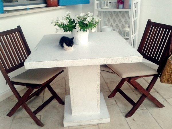 tavolo quadrato design scandinavo