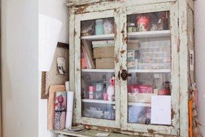 vintage-cabinet-feat