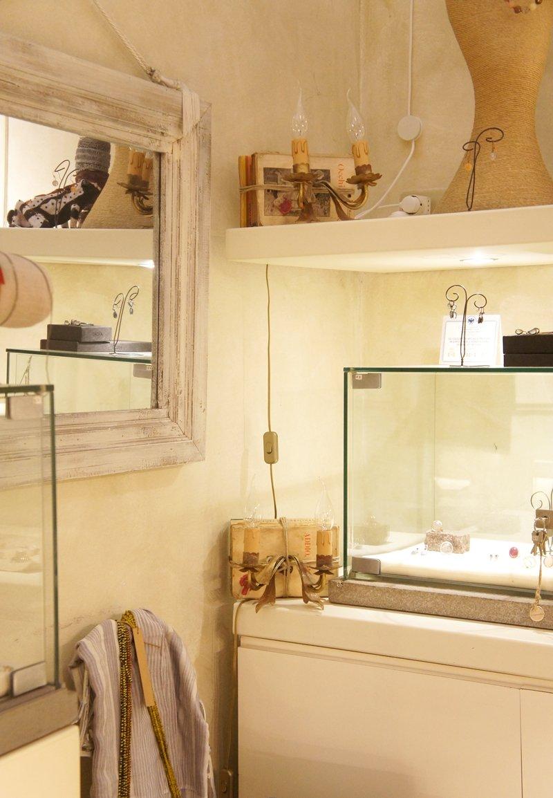 Di complementi d 39 arredo e gioielli a bologna a casa di ro for Complementi d arredo bologna