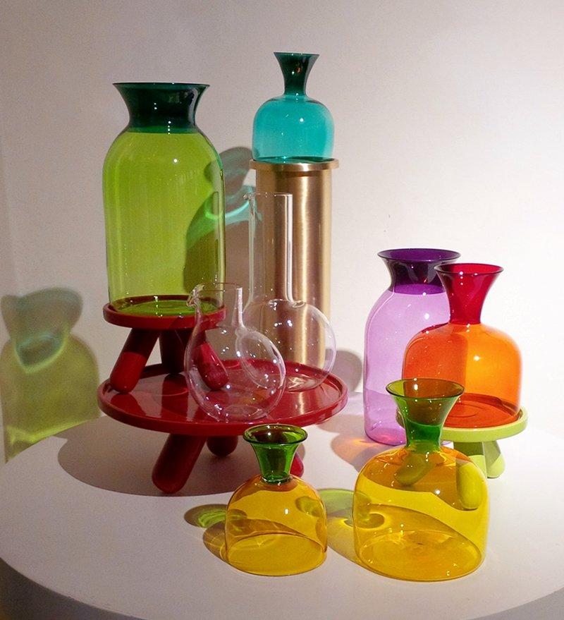 vasi trasparenti colorati