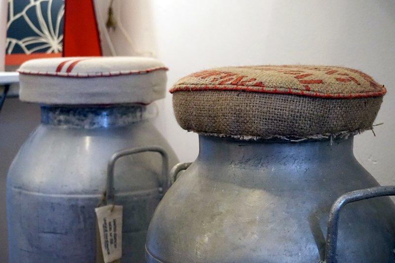 sgabelli lattiere riciclate
