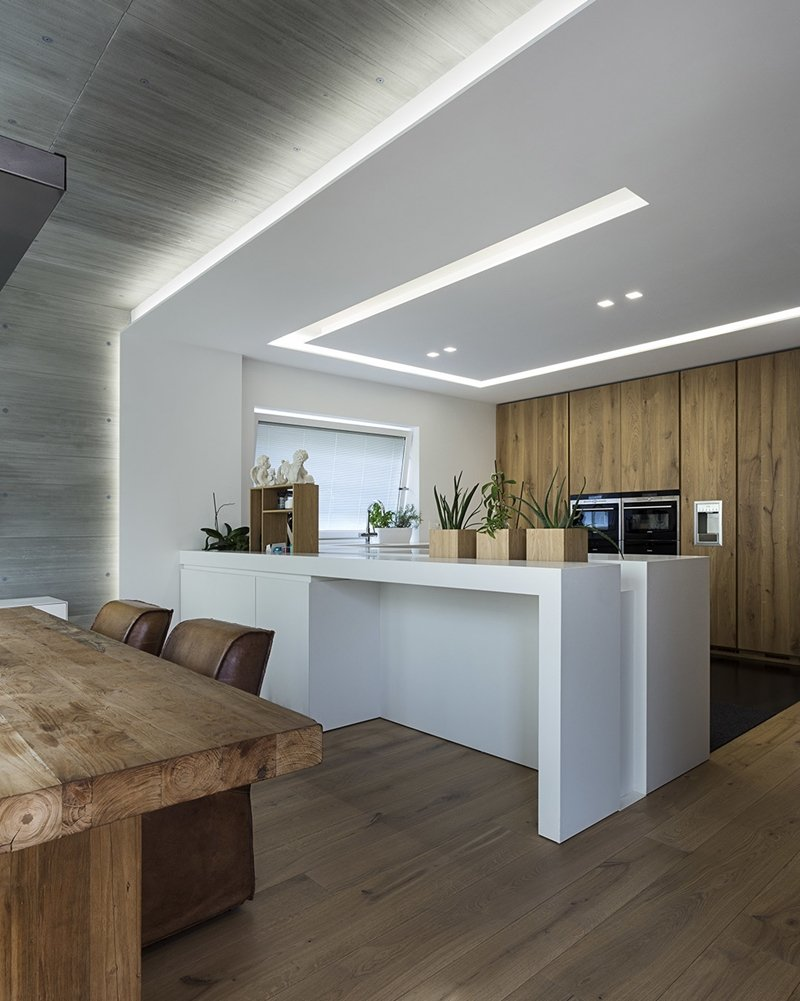Arredare con le strisce led efficienza e versatilit a for Luci led cucina