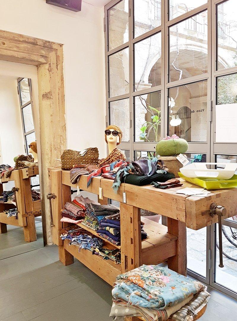 Negozi arredamento lecce arredamento completo per negozio for Arredo bagno lecce e provincia