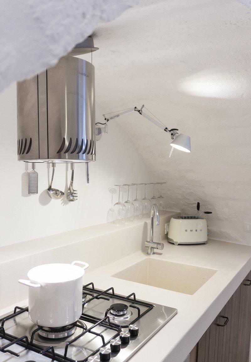 Dormire a ostuni cucina e outdoor a casa albeda a casa for Cappa design