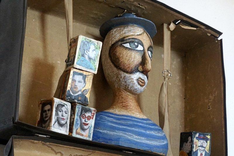 sculture carta pesta